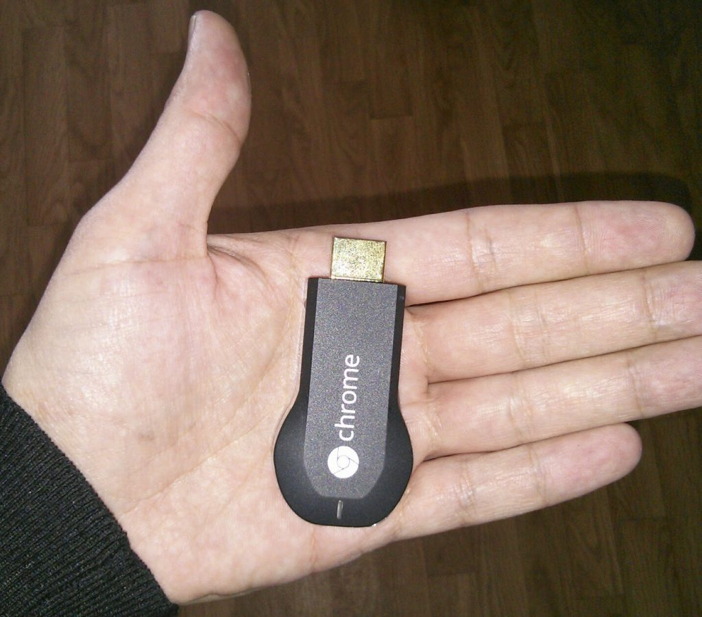 Hy Tech - Chromecast en main